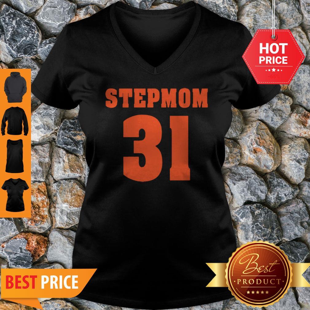 Official Stepmom 31 V-neck