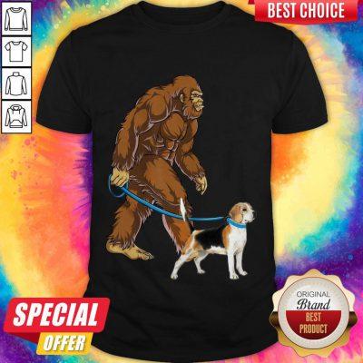 Awesome Bigfoot Walking With Beagle-Harrier Shirt