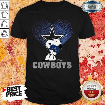 Funny Snoopy Hug Heart Dallas Cowboys Shirt