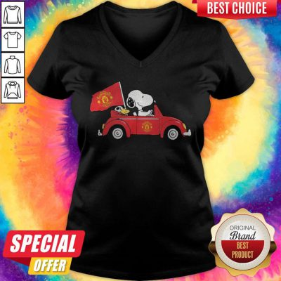 Pretty Snoopy Drive Manchester United V-neck