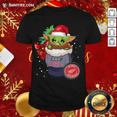 Good Detroit Red Wings Christmas Baby Yoda Star Wars Funny Happy NHL T-Shirt- Design By Daintytee.com